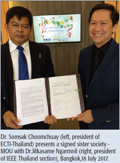 Dr. Somsak Choomchuay (left, president of ECTI-Thailand) presents a signed sister society - MOU with Dr.Jitkasame Ngarmnil (right, president of IEEE Thailand section), Bangkok,18 July 2017.
